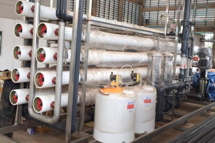 เครื่องกรองน้ำอุตสาหกรรม RO ขนาดกลาง